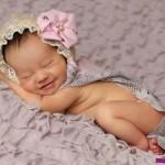 Gambar Bayi senyum lucu gemes
