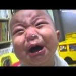gambar foto bayi saat nangis lucu banget