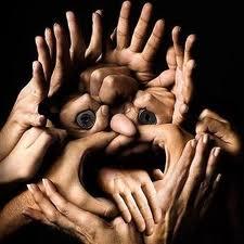 gambar tangan aneh dan unik
