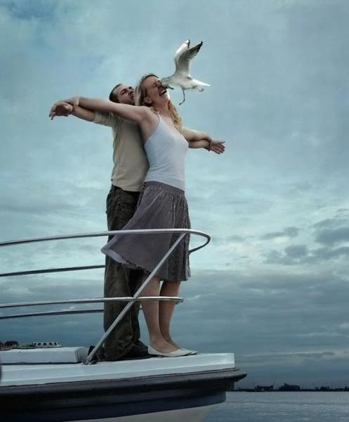 gambar lucu romantis di laut