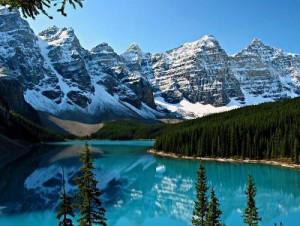 Danau Moraine Banff, Taman Nasional Canada Gambar Pemandangan ALam Terindah di Dunia