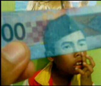 gambar uang ngupil lucu