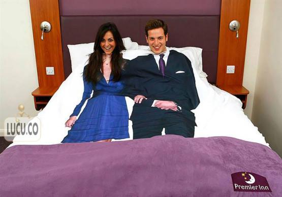 gambar unik kasur pengantin baru