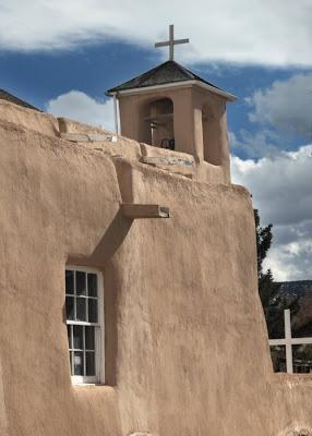 gereja dari tanah