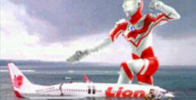 Gambar Pesawat Jatuh Ultraman