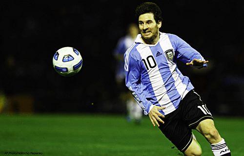 lionel messi pemain sepakbola terbaik