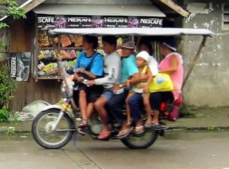 Koleksi Gambar Lucu Orang Tua Dan Anak Naik Sepeda Motor ...