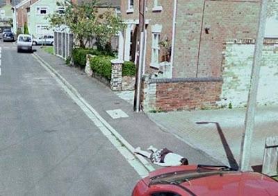 foto aneh google street view wanita meninggal