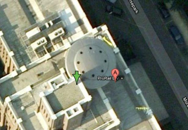 gambar aneh google street view ufo