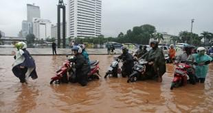 gambar banjir di jakarta terbaru