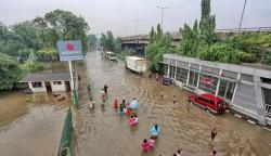 gambar banjir di jakarta terbaru hari ini