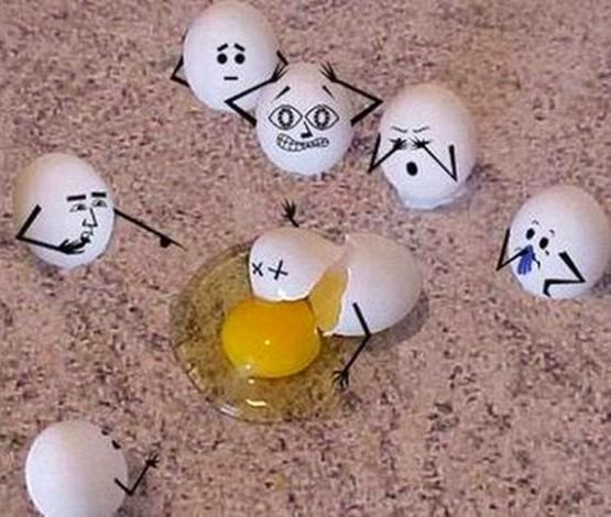 ekspresi telur bingung dan sedih