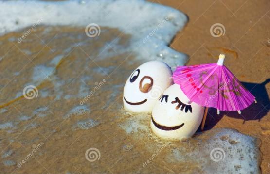 ekspresi telur di tepi pantai 1