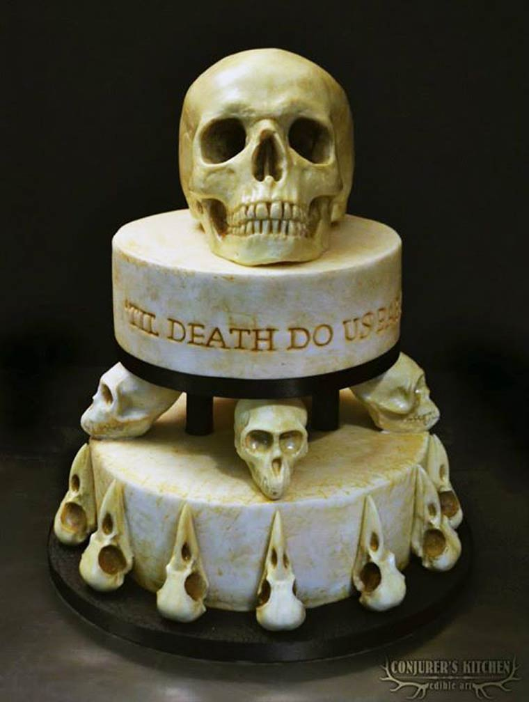 Hiiy, Siapa yang Mau Makan Kue Berbentuk Menyeramkan Ini?