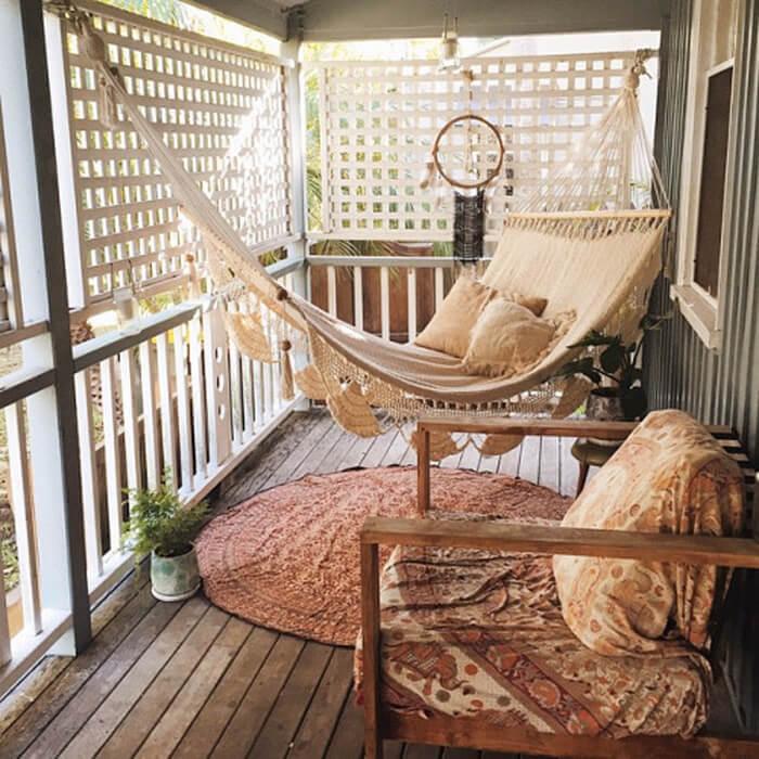 Kerennya, Ide Menghias Balkon Super Keren yang Bakal Bikin Kamu Betah di Rumah