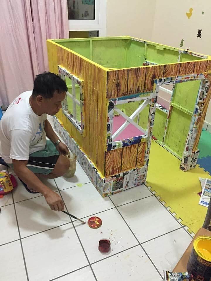 Kreatif, Miniatur Rumah Ini Dibuat Sendiri dengan Menggunakan Kardus!