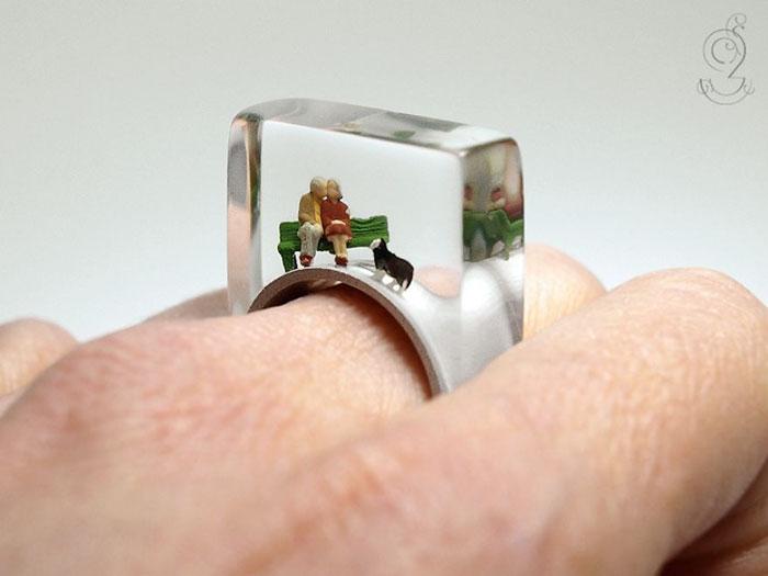 Wah, Ini Dia Perhiasan dan Aksesoris Super Unik yang Beda dari Yang Lain!