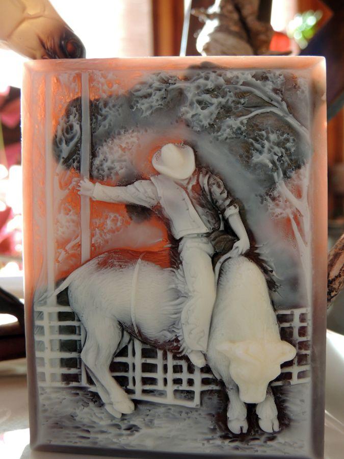 Wow, Desain Sabun Unik Ini Terbuat dari Tangan Loh!