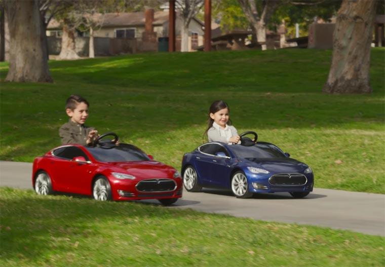 Ini Bukan Mobil-Mobilan Biasa Tapi Mobil Super Mewah Versi Anak-Anak