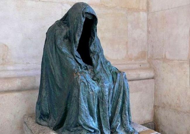Hiiiy, Ini Dia Patung-Patung Paling Menyeramkan di Seluruh Dunia