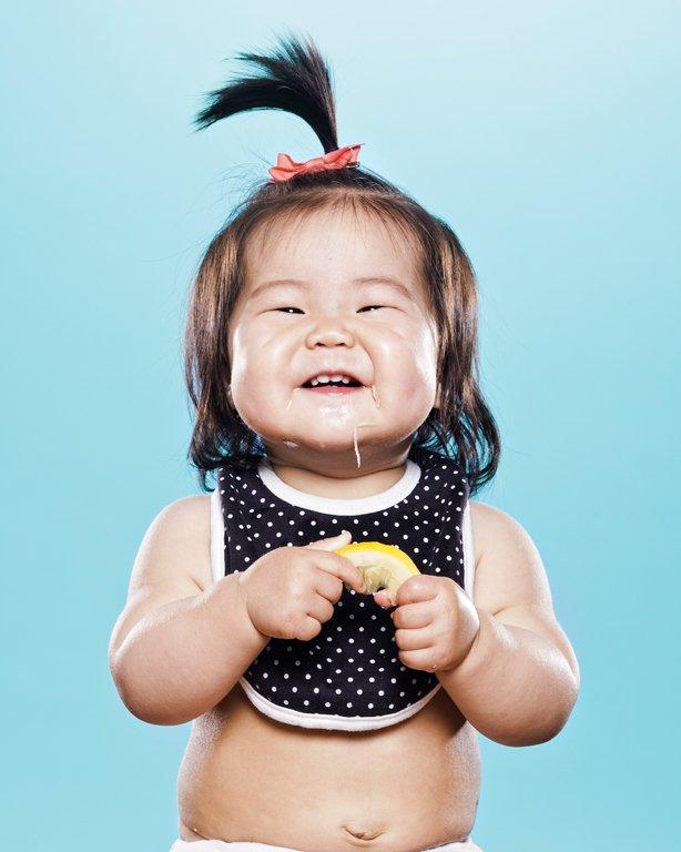bayi makan lemon 3