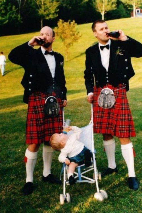 Aksi Kocak Anak-Orang Tua Ini Bakal Bikin Kamu Ketawa